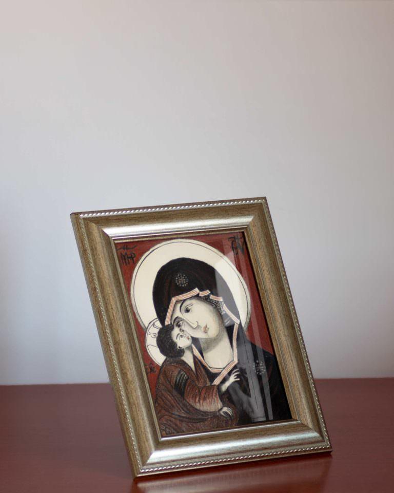 madonna-della-tenerezza-v1-su-scrivania